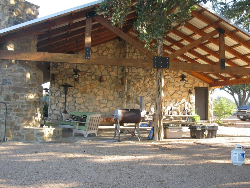 Muse enterprises inc for Metal building cabin